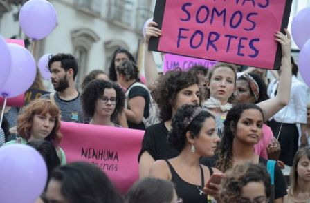 Mulheres mostram sua força na luta por seus direitos (Foto: Fernando Frazão/Agência Brasil)