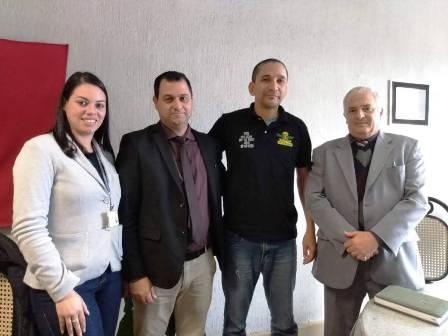 Deputado Vilmar Lourenço, à direita, diretor Ivo, Ferreira e Ana Clara
