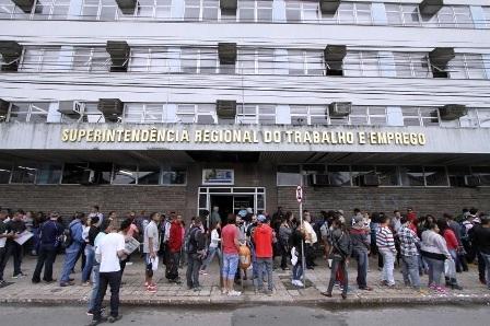No Brasil, trabalho intermitente representou 16,5% dos empregos criados desde a reforma trabalhista