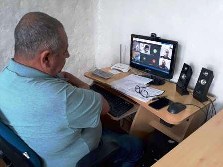 Presidente Loreni Dias, na reunião por videoconferência