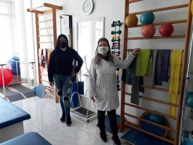 Dona da clínica,, localizada na Rua Uruguai, e a diretora Elisa