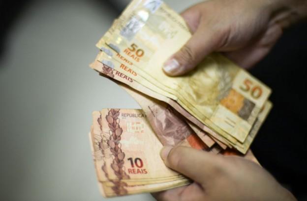 Dinheiro-na-mão1
